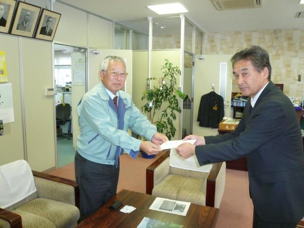 長野県神城断層地震にて義援金をお渡ししました。